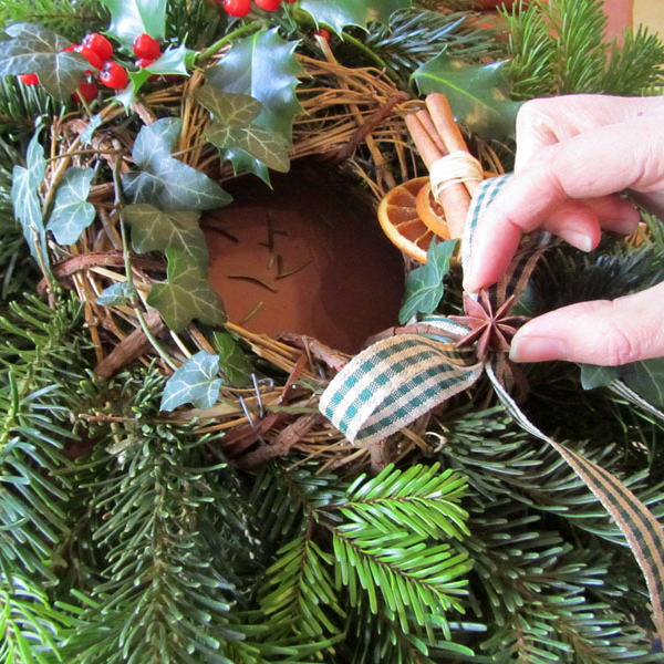 1: Christmas Wreath – Sun 17 Dec