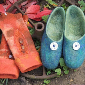 Felt gloves and shoes