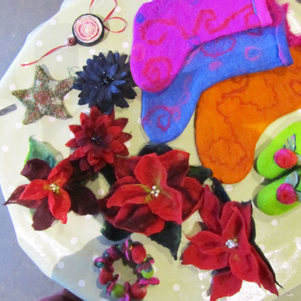 Christmas Felt Baubles : 10am-1pm : Sun 16 Dec