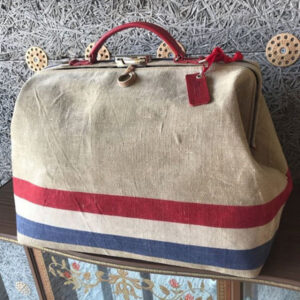 Dutch postal bag by Vandertas