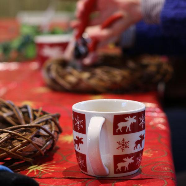 Christmas Wreath : 10am-1pm : Thurs 6 Dec